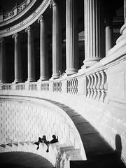 Surveillées... Monitred... (Panafloma) Tags: marseille palaislongchamp escalier colonnes