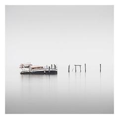 Cherubino (Vesa Pihanurmi) Tags: boat ship wreck venice venezia lagoon sea longexposure serene fog piles pellestrina minimalism cherubino