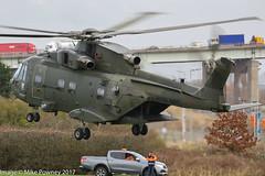 ZJ132 - 2002 build EH Industries EH.101 Merlin HC.3i, setting down at Barton for a rotors running refuel (egcc) Tags: q 50177 846nas barton cityairport commando526 egcb ehindustries helicopter lightroom manchester merlin merlinhc3i rn royalnavy westland zj132
