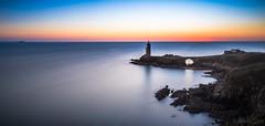 Phare du Petit Minou (clos du pontic) Tags: phare iroise mer sémaphore soleil coucher finistère plage grève goulet littoral fuji xt1