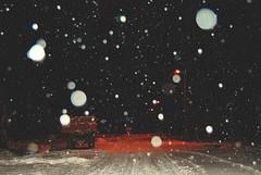 Snowing (Sareni) Tags: sareni serbia srbija vojvodina banat juznibanat alibunar savemuncana sm snowing night noc tripod light svetlost put drum pahulje zima winter january 2017 twop