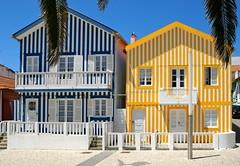 Palheiros da Costa Nova (vmribeiro.net) Tags: geo:lat=4061459788 geo:lon=874970913 geotagged aveiro portugal palheiros costa nova casas houses yellow blue typical tipicas sony a350
