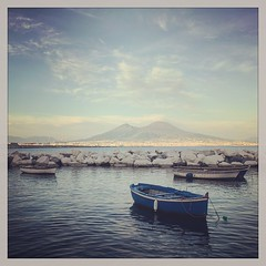 That's Amore #napoli #naples (ronnybas) Tags: square squareformat rise iphoneography instagramapp uploaded:by=instagram
