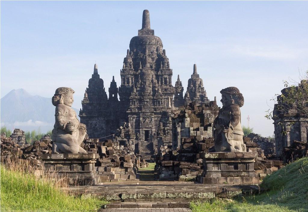 4Quần thể đền Prambanan được UNESCO công nhận là Di sản văn hóa thế giới năm 1991