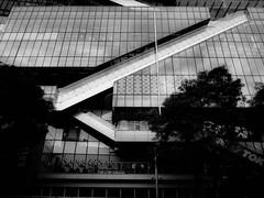 Singa Diagonal (Charles EYES PiX) Tags: city building architecture contrast mall design singapore asia geometry escalator orchard singapour asie sg urbex align eyespix