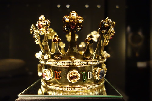 Image result for cathedral aachen treasury crown of queen