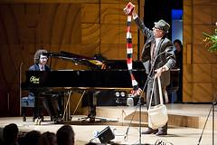 Stefan Cassamenos & Roving Performer_1