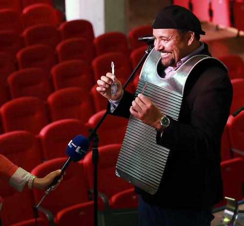 Терранс Симиен рассказывает об особом инструменте для исполнения музыки