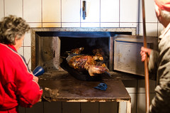 Brena radi punom parom (milorathe) Tags: badnjidan winter meat sheep brav furnace oven christmas
