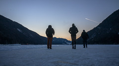 walking on weissensee (phreekz.chmee) Tags: panorama weissensee österreich sundown people ice winter white sky