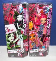 Ghoul Fair Howleen and Scarah Screams (The Doll Cafe) Tags: ghoulfairhowleen howleen chw70 ghoulfairscarahscreams ghoulfair scarahscreams monsterhigh chw73