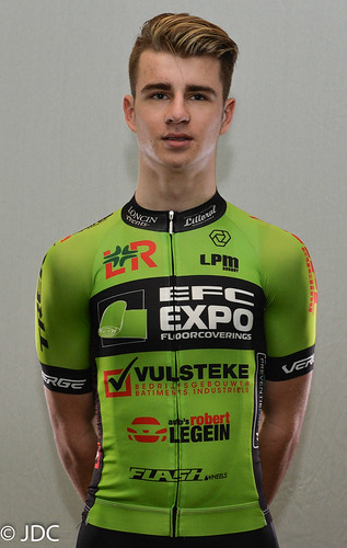 EFC-L&R-VULSTEKE U23 Cycling Team (2)