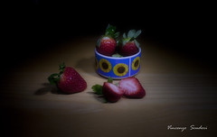 28181_jpg (Vincenzo_Scuderi) Tags: strawberries fragole light painting frutta fruit sfondo nero still life pennellate di luce cucina