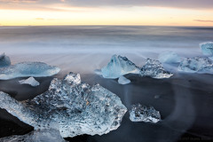 Know your beauty shines within (OR_U) Tags: 2017 oru iceland jökulsárlónglacierlagoon jökulsárlón glacier ice sunrise icefloat iceberg beach blackbeach thecinematicorchestra le longexposure water sea ocean clouds sky motion waves time blue pink orange