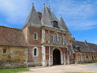 Châtelet d'entrée du château de Bonnemare, bâti en 1570, style Renaissance, Radepont, Eure, Normandie, France