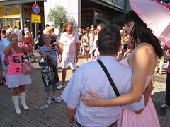 Family picture (Paula Satijn) Tags: pink girl lady fun outside dress tgirl parasol gown funfair tilburg gurl rozemaandag