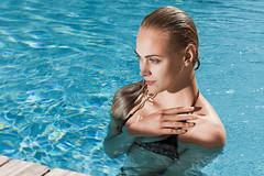 Wesch gets wet (Reza Bassiri) Tags: france sexy fashion model glamour turquoise swimmingpool blond brazilian swimwear