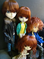 Red hair family (Lunalila1) Tags: family red doll group dal wig aurora groove pullip redhair gackt pelirrojo alberic taeyang junplaning mizerable dotori