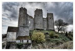 Château bourbon (JG Photographies) Tags: europe auvergne allier france french bourbonnais château bourbonlarchambault hdr hdrenfrancais jgphotographies canon7dmarkii