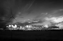 Wolken-- (V.Mildenberger) Tags: wolken olympus sw schleswigholstein windkraftanlage dithmarschen 1442 epl5