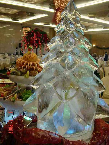 Christmas Tree Ice Creation