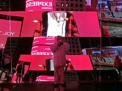 New York Holiday #20 (Ted Tamada) Tags: newyorkcity timessquare tamada tedtamada tedsphotography tedtamadaphotography tamadaphotography streetphotography streetwork casioexilim pointandshootcasioexilim