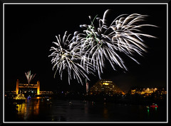 Fireworks_9190 (bjarne.winkler) Tags: 2016 new year evening pre fireworks 9pm backdrop tower bridge ziggurat calstrs building sacramento river ca