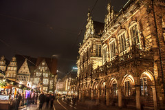 Bremer Rathaus / Town Hall Bremen (ME Photography (Moritz Escher)) Tags: christmasmarket longexposure weihnachtsmarkt bremen germany marktplatz canoneos50d canon nacht night lights light beautiful merrychristmas happyxmas froheweihnachten townhall bremerrathaus rathaus