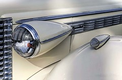 Gleam (~ Liberty Images) Tags: 1938buickseries60century classiccar automobile vintagecar chrome pumpkinrun libertyimages buick white silver
