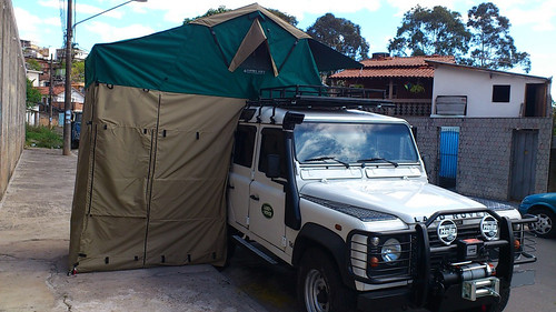 "Land Rover040 • <a style=""font-size:0.8em;"" href=""http://www.flickr.com/photos/148381721@N07/32949817101/"" target=""_blank"">View on Flickr</a>"