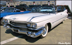 '59 Cadillac Convertible (Photos By Vic) Tags: 1959 59 classic car carshow cadillac convertible white automobile antique vehicle vintage old generalmotors 2016charlottefallautofair