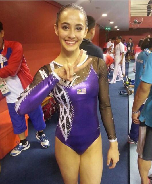 FARAH ANN menang emas gimnastik, dikecam berpakaian seksi? - Read more