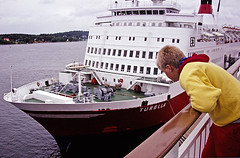 Turella (Franz Airiman) Tags: cruise ferry finland turku sweden stockholm 1987 slidefilm kodachrome viking digitized mariehamn bo vikingline minolta7000 kryssning kodachrome200 finlandsfrja july311987 19870731 vikingsally
