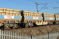 501221 Kingsthorpe 041216 (Dan86401) Tags: 501221 501 mra mrac sidetipping bogie open ballast wagon thrall freight nr networkrail engineers departmental infrastructure wilsonscrossing kingsthorpe northampton wcml 6r06