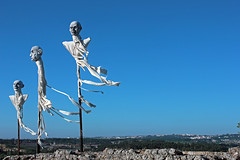Ghost ship (R.i.c.a.r.d.o.) Tags: óbidos portugal feira medieval market ghosts figures men flying wind spooky