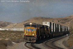 Eastbound stack climbing Beaumont hill, CA (Travis Berryman) Tags: unionpacific beaumonthill uprr upyumasub desertrailroading