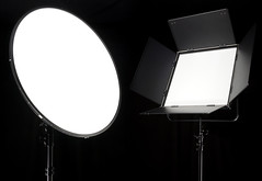 FlapJack Studio XL and 1.5 X 1.5 (FotodioxPro) Tags: flapjack fotodiox flapjackstudioxl studioxl flapjack15x15 studiolights lededgelight cinemalight diffusedlight newproduct productlaunch wppi sonya7s