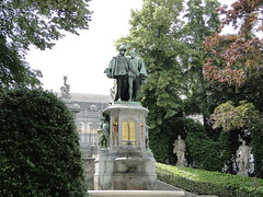Statue of Egmont and Hoorne in the Egmont Park (Joop van Meer) Tags: brussels egmont 2015 hoorne gr12 kleinezavel