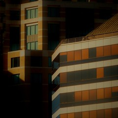 (msdonnalee) Tags: architecture urbanarchitecture shadow ombre sombra ombra schatten