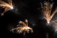 three in times (zoomseb) Tags: sylvester 2017 rockets light fire happy year new night midnight saint day three times gleichzeitig simultanously licht feuer rakete neues jahr feier party mitternacht explosion fireworks feuerwerk zeichnung linien lines