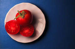 Tomatto (Alias_239) Tags: ایران قم طبیعت بی جان گوجهفرنگی رنگ iran qom still life tomatto color red