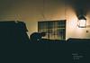 Gato (RonaldHV) Tags: noche night luz light cat gato tejado techo roof lampara lamp