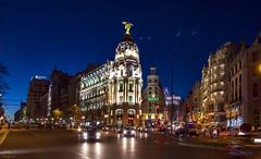 Cae la noche sobre Madrid... (Leo ☮) Tags: nocturna urbana calles ciudad arquitectura cielo azul blue sky granvía callealcalá edificio metrópolis invierno enero madrid