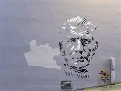 Argus: Samuel Beckett (konstruksjon) Tags: gatekunstbergen streetartbergen argus gatekunst streetart sjablong stencil samuelbeckett
