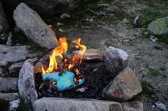 Foc de tabara in varianta minimalista