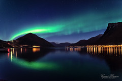 Northern lights over the fjord (Usstan) Tags: mountainside night nikon calm alpine møreogromsdal mountains moon cold norway northernlights sunnmøre mountainpeak liadalsnipa autumn d750 landscape lens sigma auroraborealis outdoor clear seasons locations 2470mm norge moonlight reflecions dark ørsta colors reflection fjord stars water mountain
