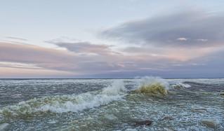 Breaking Icy Waves
