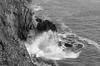IMGP7553 (sapiens5) Tags: decembre 2016 pentax k5iis 1855 nb monochrome noir blanc mer océan côte falaise eau vagues rocher