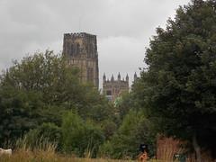 Durham, United Kingdom (Shaun Smith-Milne) Tags: outdoor arbres tree arbre massif shrubbery cathedral cathédrale tour tourelle tower turret spire durham countydurham england unitedkingdom angleterre royaumeuni lifering bouée flèche steeple