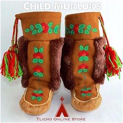 Happy Sunday everyone! #Tlicho Child #mukluks made by the #Whatì Sewing Group now available on http://onlinestore.tlicho.ca #buynative (Tlicho Online Store) Tags: tlicho mukluks whatì buynative